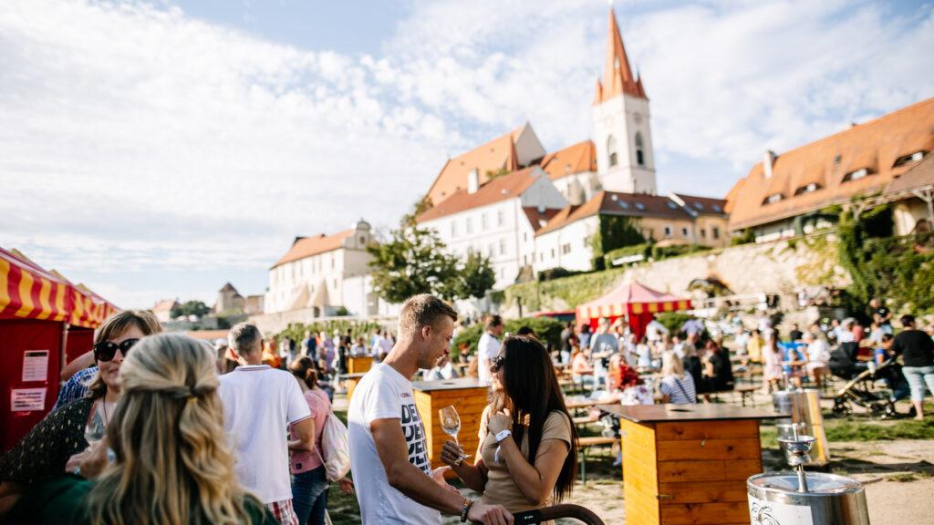 Festival vína VOC Znojmo 2021 už za měsíc